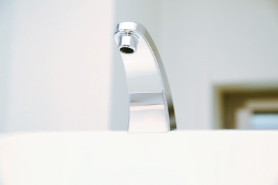 水栓金具の輝きを取り戻します!
